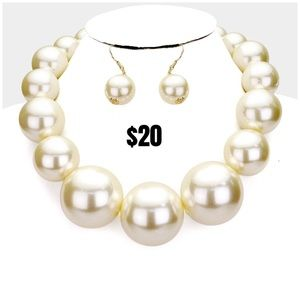BRAND NEW Pearl Necklace Sets! Never worn!